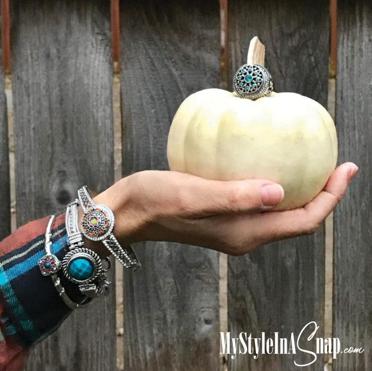 Match your favorite outfits and your jewelry with our interchangeable jewelry snaps that fit on bracelets, necklaces, earrings, rings, handbags and more. Come see more at MyStyleInASnap.com  LOVE IT? Join us and buy it all at consultant prices!