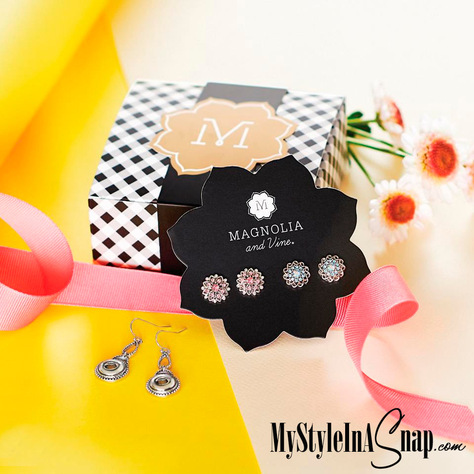 Mini Revere Earrings, 4-Snap Card with two Mini Pink Camellia Snaps, two Mini Aqua Braid Snaps and gift box at 30% OFF at MyStyleInASnap.com LOVE IT? Join us and get it all at consultant prices.