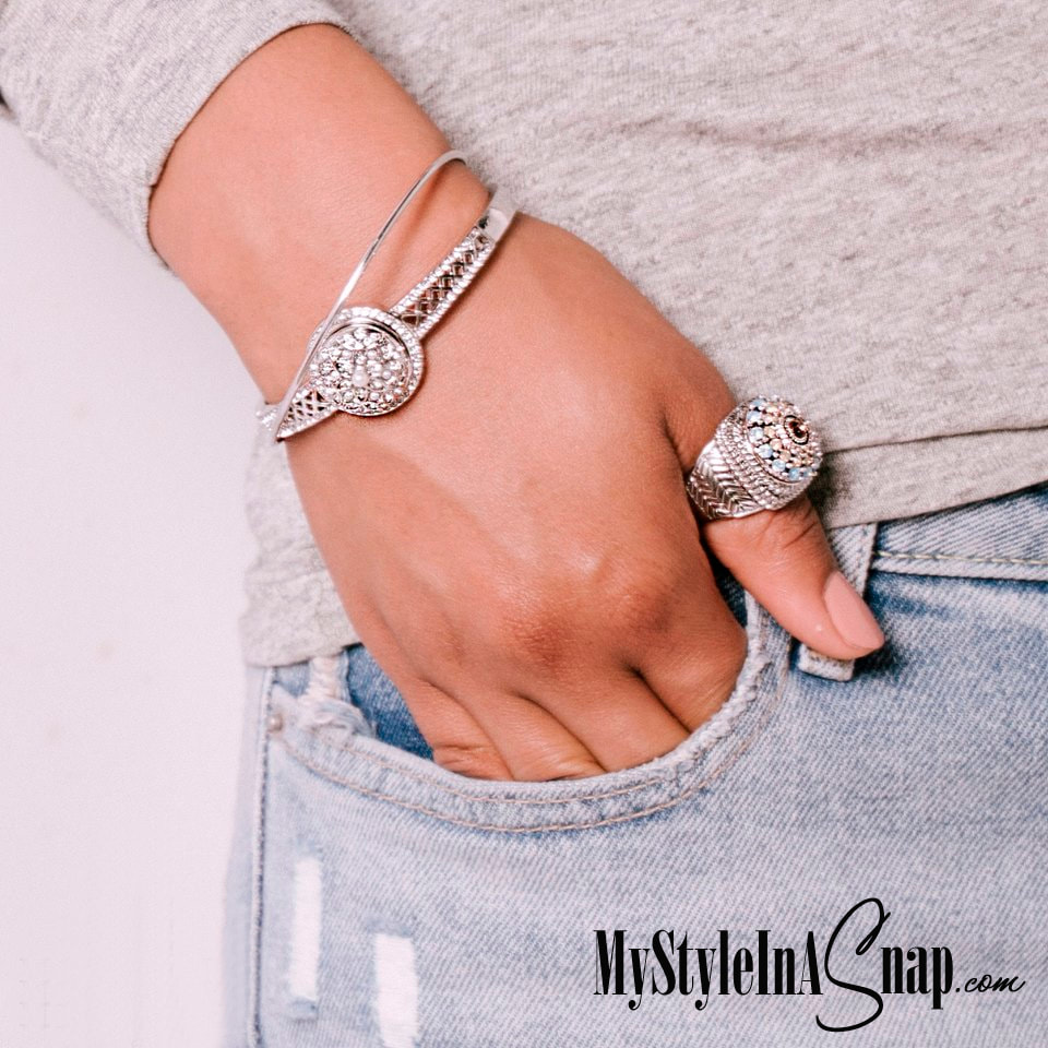 Add bling to any outfit with interchangeable jewelry and snaps at MyStyleInASnap.com