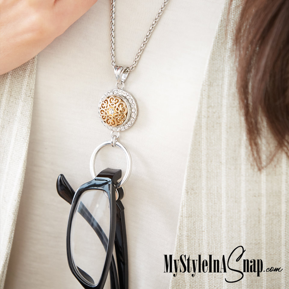 The Startlet Eyeglass Holder Pendant stylishly holds one 18mm Original Snap that matches your outfit or your personality and, of course, your eyeglasses or sunglasses. Shop MyStyleInASnap.com LOVE IT? Join us and get it all at stylist prices!