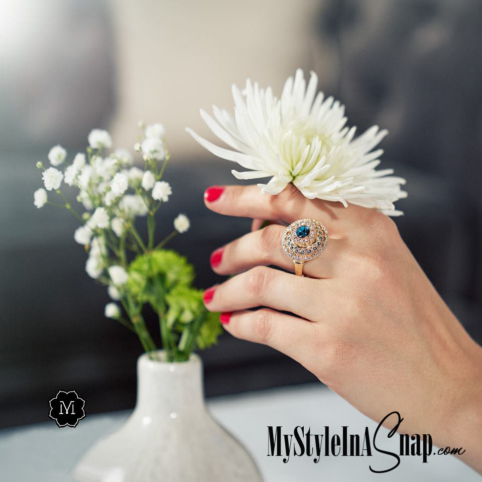Add simple style to your accessories with our stretch rings in your choice of yellow gold, rose gold or rhodium silver and any of our jewelry Snaps in your favorite colors. Shop MyStyleInASnap.com LOVE IT? Join us and get it all at consultant prices.