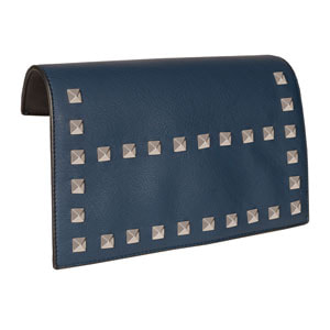 VERSA Interchangeable Handbag! Maritime Accent Flap in Navy Blue fits our Signature or Journey VERSA Base Bags in Black, Navy, Brown or Grey. VEGAN LEATHER. Carry crossbody or with single short strap. Shop MyStyleInASnap to see ALL THE FLAP ACCENTS! Love it? Join us and get it all at consultant prices!