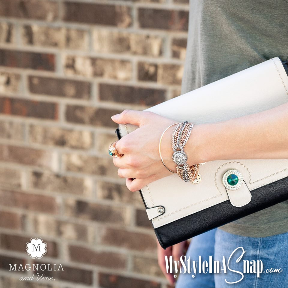 We've got loads of refreshing options for personalizing your handbag or your jewelry pieces in a snap. Dabble with contrasting colors or mix your metals. Create a style uniquely yours...in a Snap! Shop MyStyleInASnap.com LOVE IT? Join us and get it all at consultant prices.